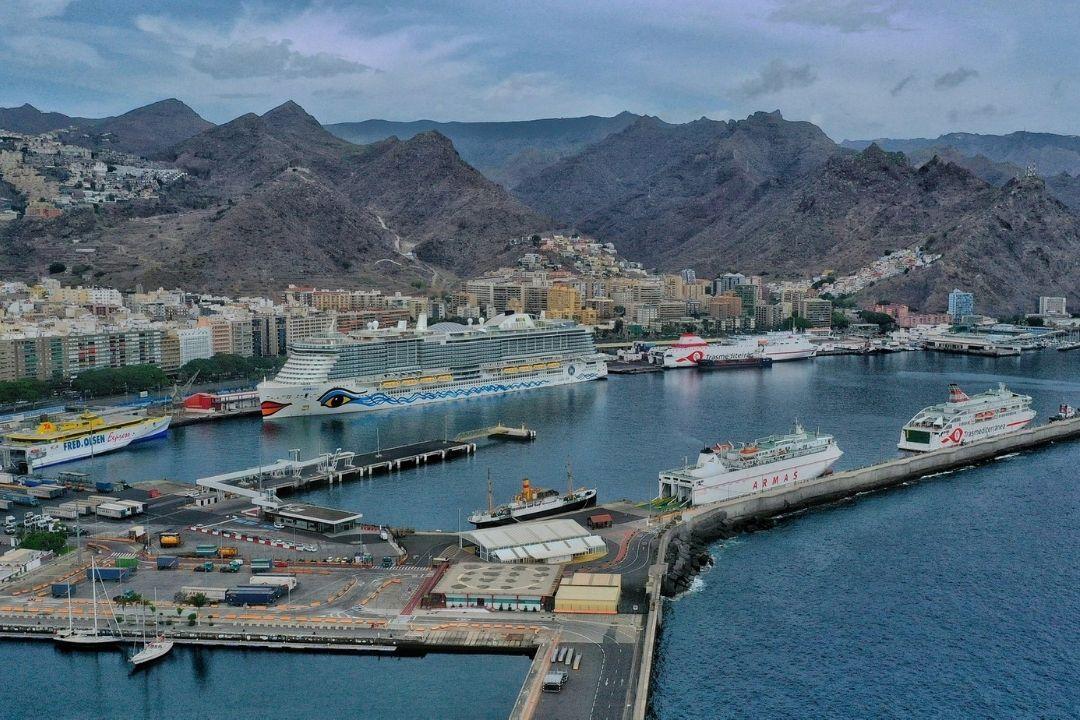 puerto de santa cruz cruceros