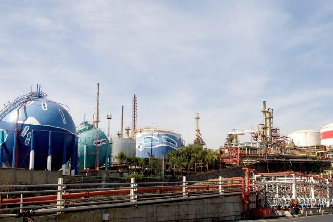 refineria contaminacion
