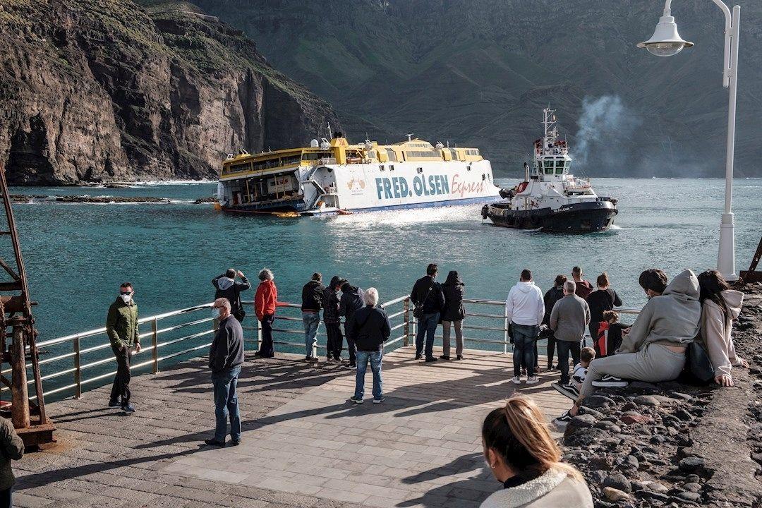 ferry fred olsen agaete contaminacion