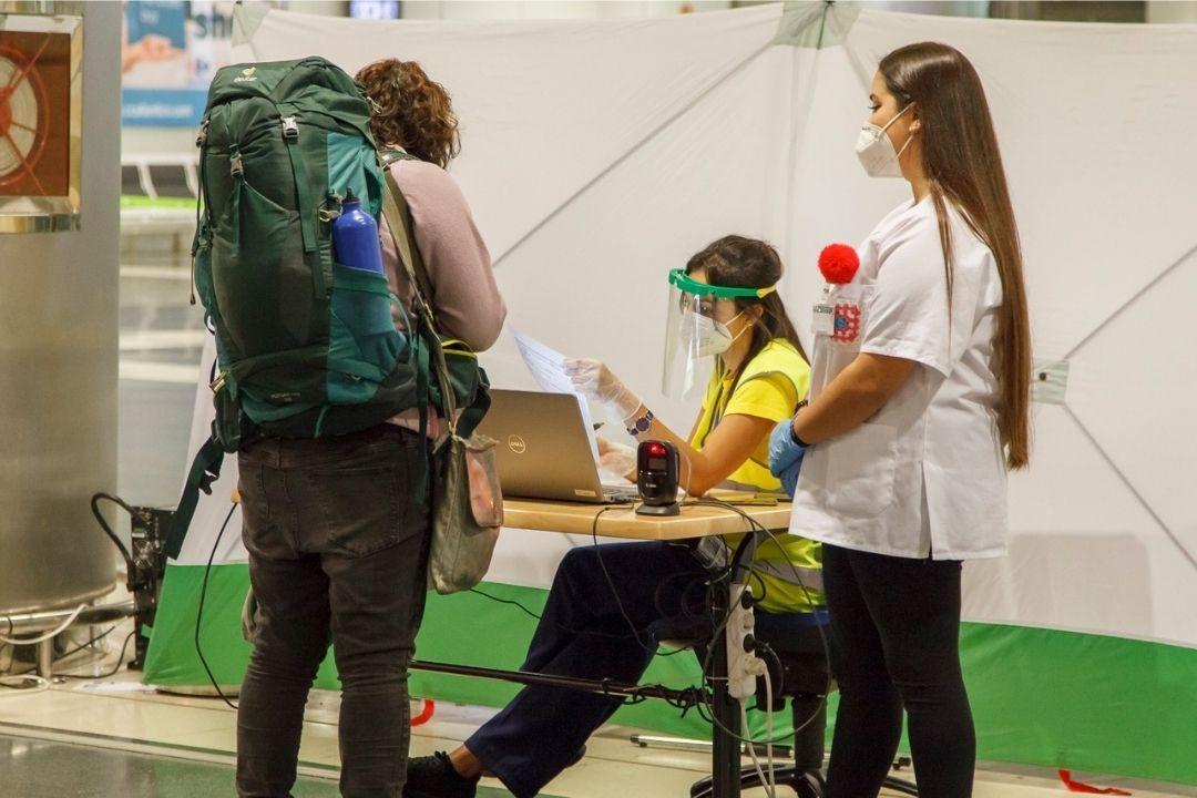 Sanidad prorroga los test para entrar a Canarias