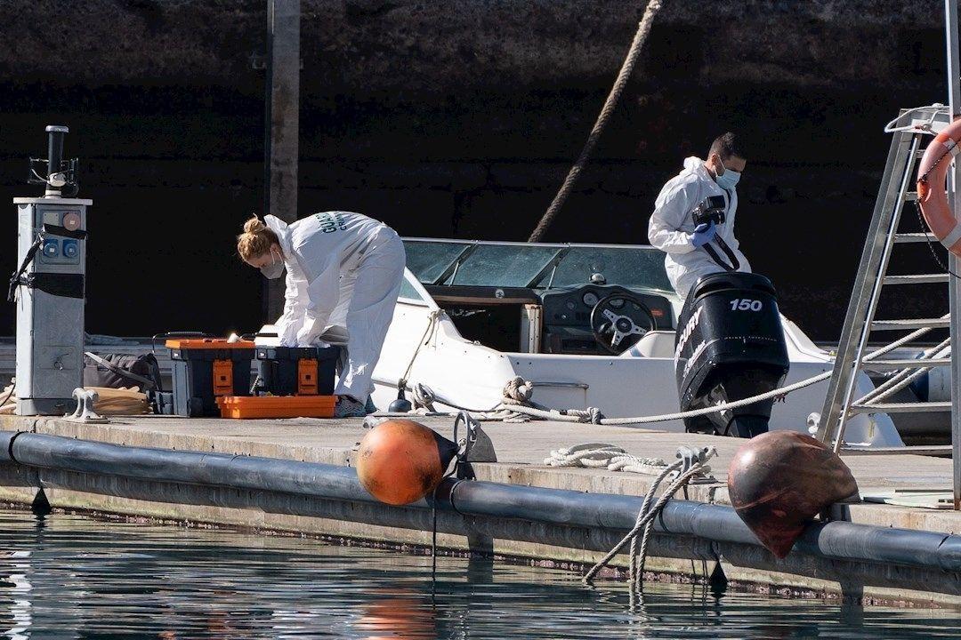El padre de las niñas desaparecidas pudo haber desactivado el GPS de su embarcación