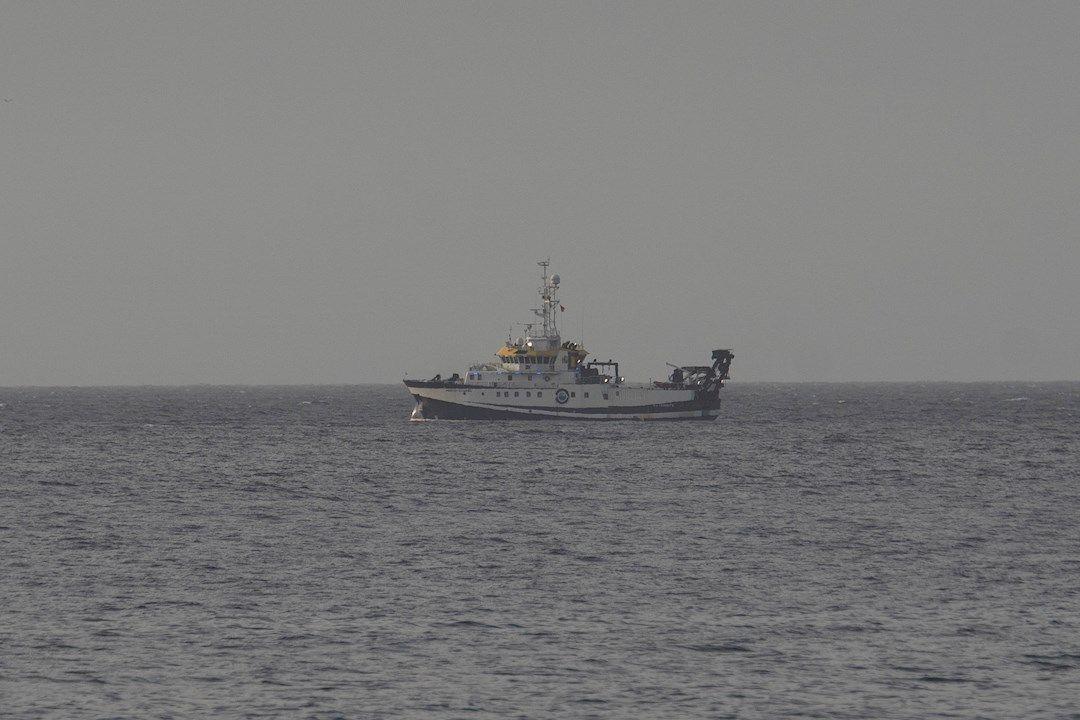 el buque ÁNgeles ALvariño se aleja de Tenerife