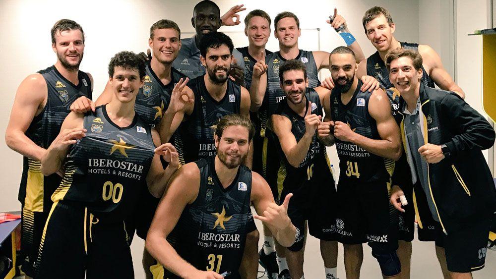 Celebración victoria del CB Canarias ante el Gran Canaria