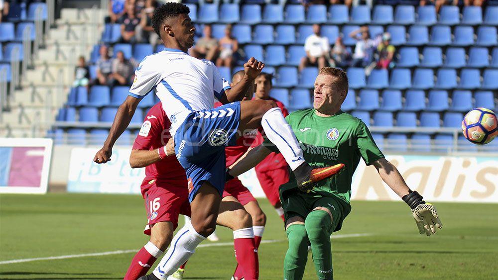 La delantera del Tenerife: Lozano un gol, Jouini un gol y Cristo un gol