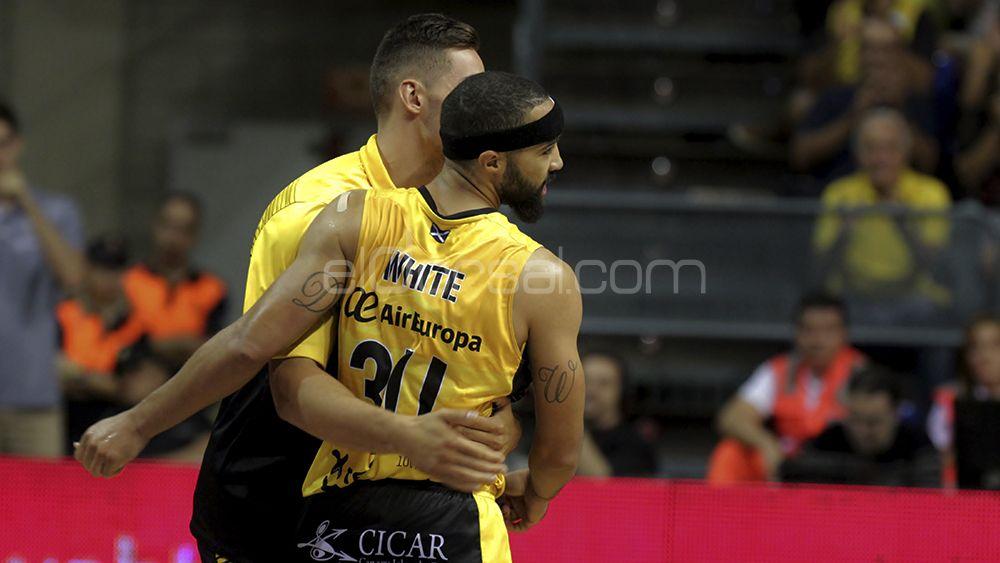 La victoria del CB Canarias ante Obradoiro, en imágenes