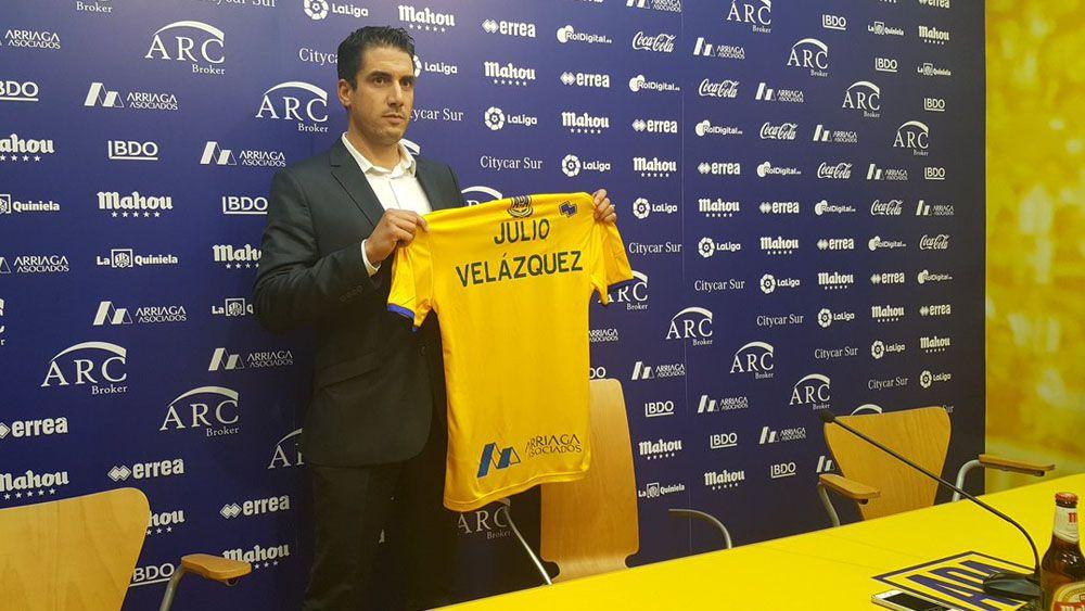 Julio Vélazquez sustituye a Contra en el banquillo del Alcorcón