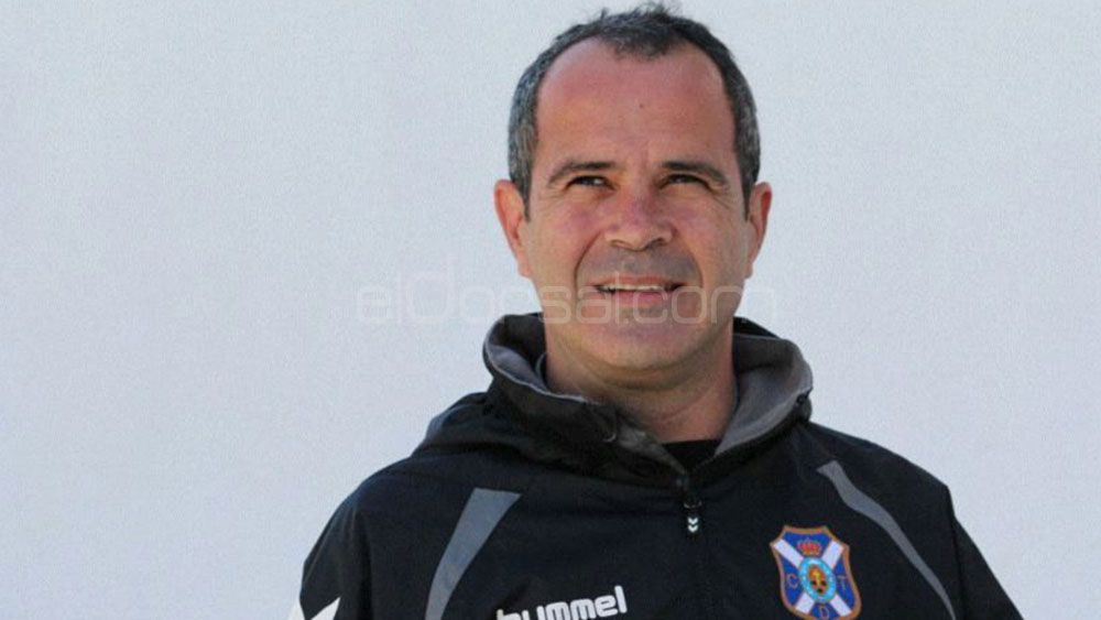 Vuelve el último entrenador de éxito en el CD Tenerife