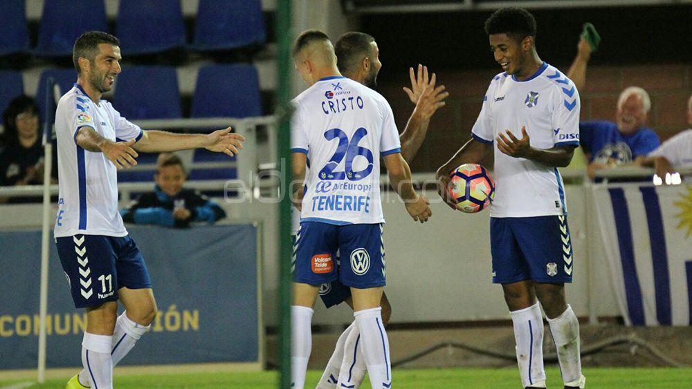 El 'uno por uno' del CD Tenerife contra el Cádiz