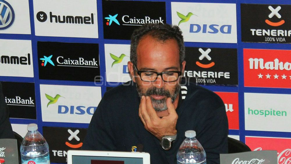 """Cervera: """"Sigo viendo la eliminatoria igualada, el Heliodoro llevará al CD Tenerife en volandas"""""""