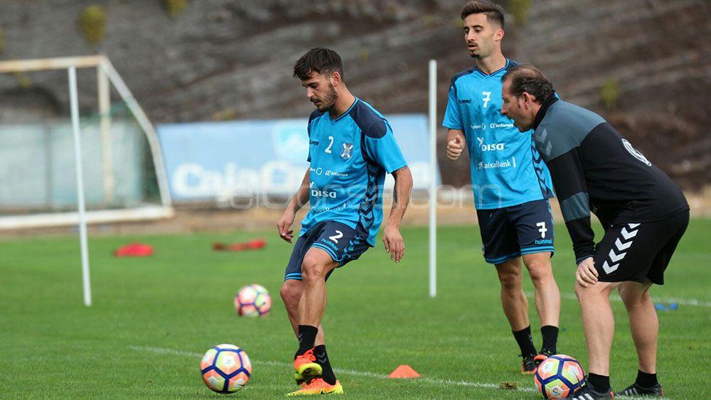 Edu Oriol vuelve a completar un entrenamiento con el CD Tenerife