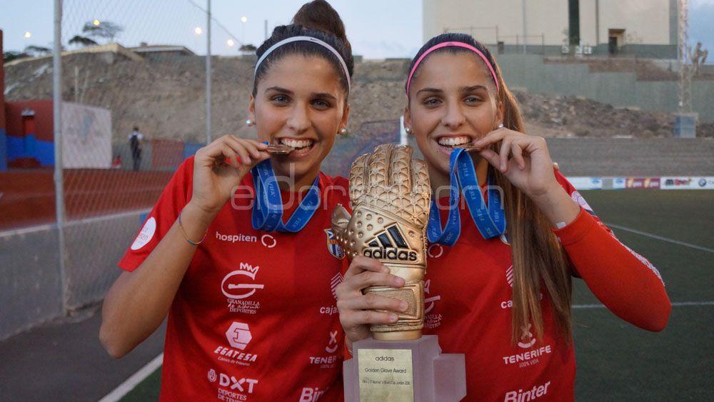 Noelia y Natalia, las gemelas de la UDG Tenerife que han revolucionado el fútbol de la Isla