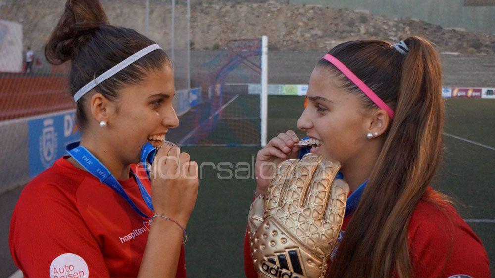 Noelia y Natalia Ramos, cada vez más grandes