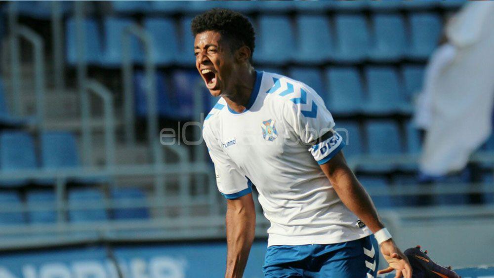 El CD Tenerife podría ejercer su opción de compra por Choco Lozano antes de acabar la temporada