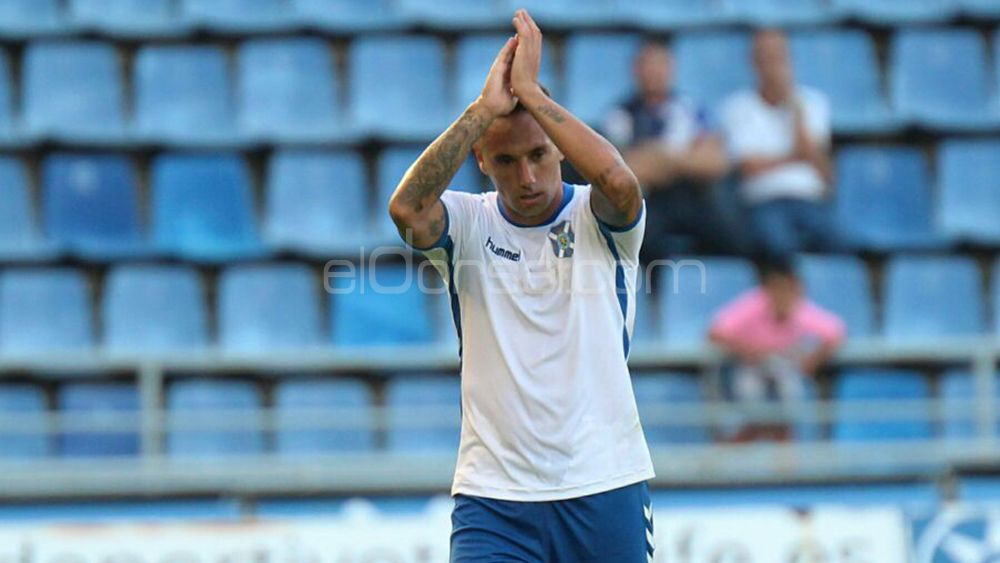 El capitán aplaude en el Rodríguez López en el choque ante el Rayo | @jacfotografo