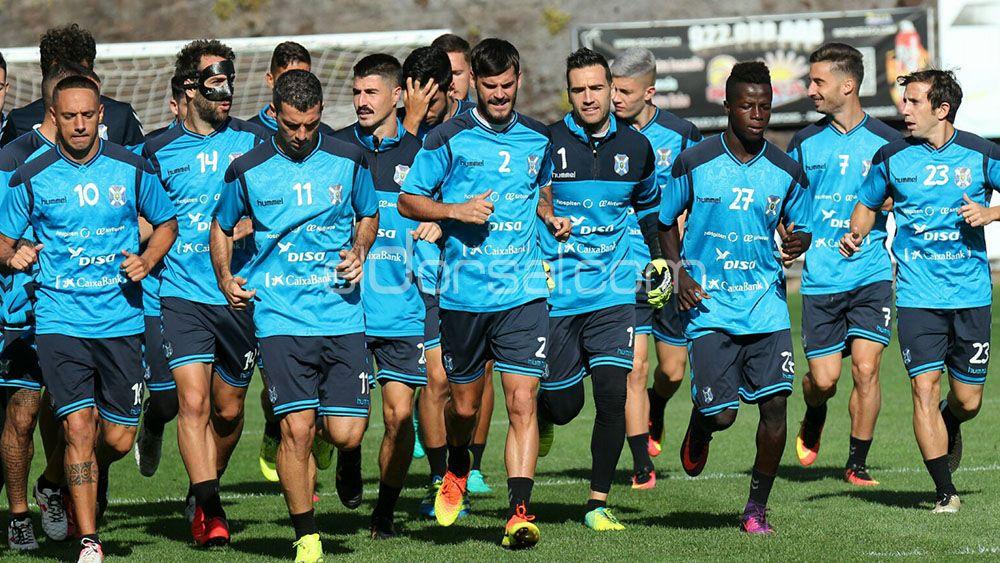 Elige el once del CD Tenerife para el encuentro ante UCAM Murcia