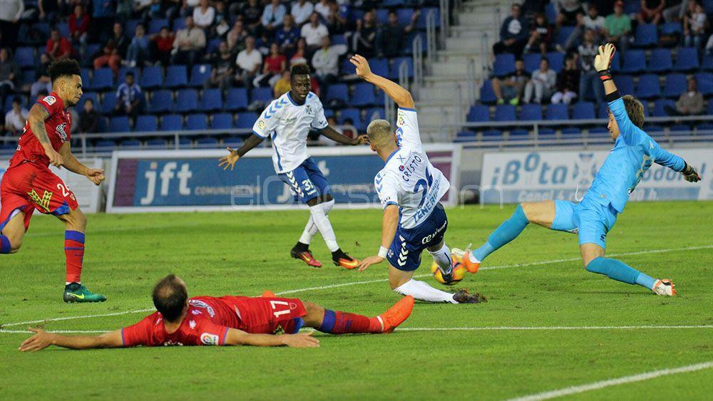 Un ingenuo CD Tenerife se deja dos puntos ante el Numancia