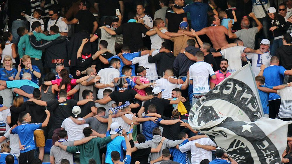 El Frente Blanquiazul cita a la afición del CD Tenerife para manifestarse contra la directiva