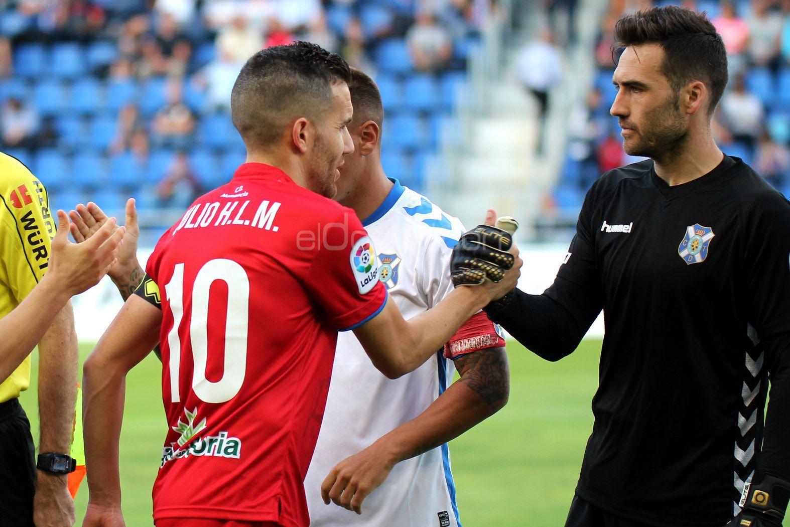 El lateral madrileño estuvo elegante y no quiso contestar a Julio Álvarez | @jacfotografo