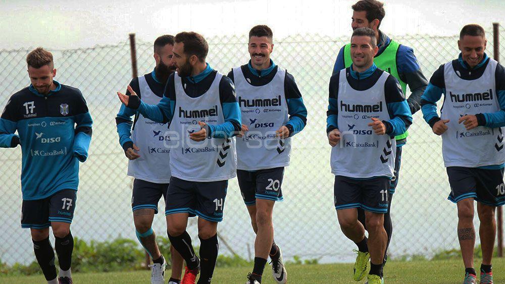Elige el once del CD Tenerife para medirse a la SD Huesca
