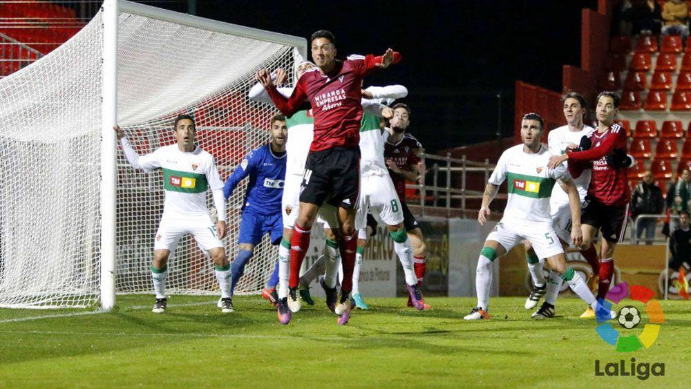 Maikel Mesa da la victoria al CD Mirandés frente al Elche CF