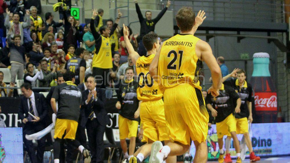 Iberostar Tenerife pasa el rodillo ante la Cibona para mantener el liderato