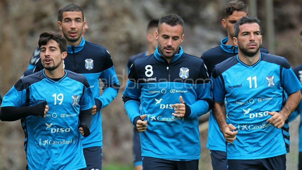 La afición del CD Tenerife repetiría alineación ante el Levante