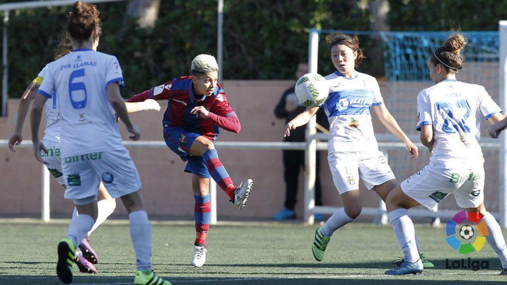 El doblete de María José Pérez ante la UDG Tenerife