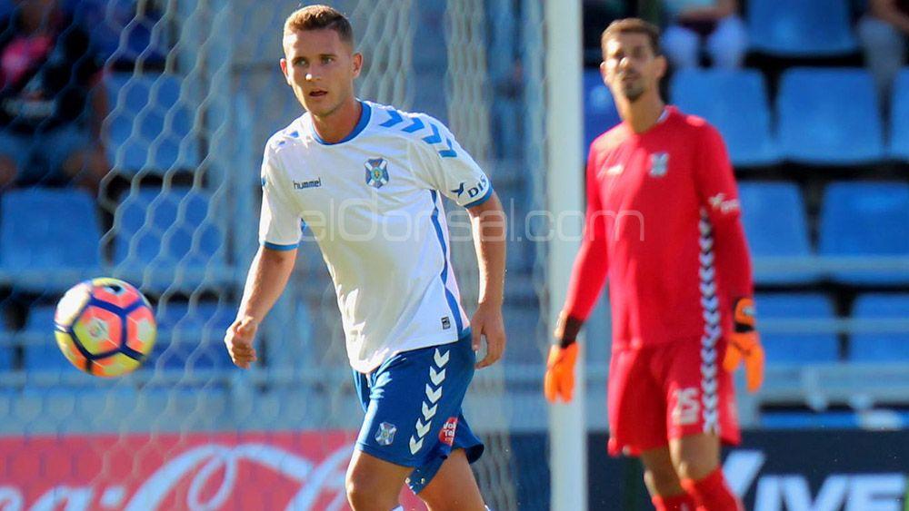 Jorge Saénz amplía su contrato con el CD Tenerife