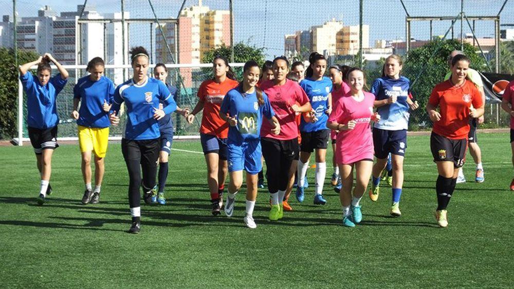 Once jugadoras de la UDG Tenerife y tres de la UD Tacuense, convocadas por la selección canaria