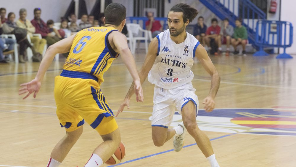 El Náutico Tenerife busca concluir el año con victoria