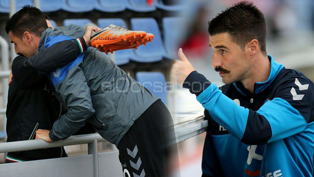 Álex García regaló sus botas a un aficionado del CD Tenerife