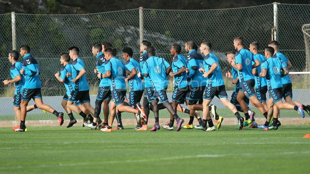 El CD Tenerife vuelve a la rutina con cuatro ausencias