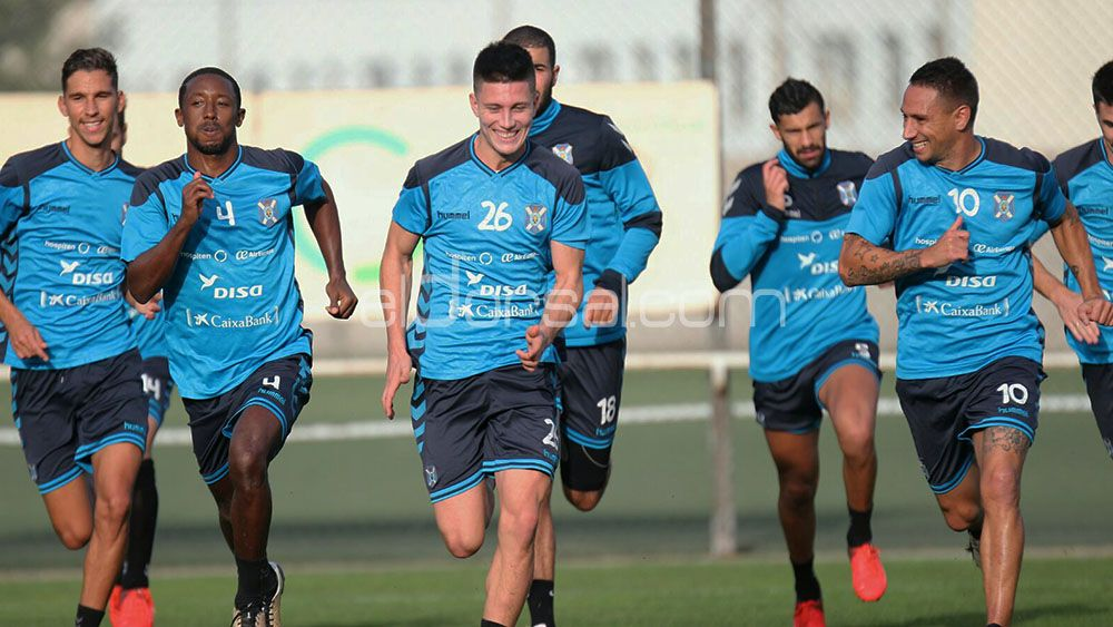 Elige el once del CD Tenerife para medirse al Córdoba