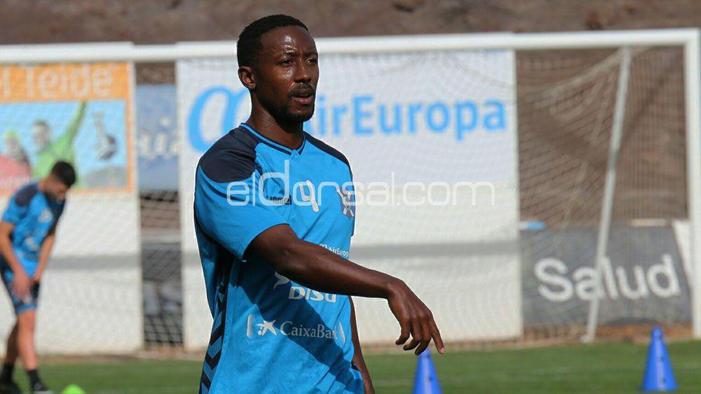 """Camille: """"El CD Tenerife está más fuerte que nunca, queremos seguir así de aquí al final de liga"""""""
