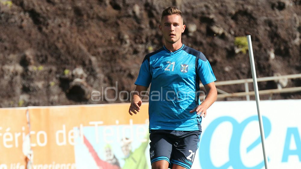 """Jorge Sáenz: """"Me halaga el interés de otros equipos, pero solo me debo al CD Tenerife"""""""