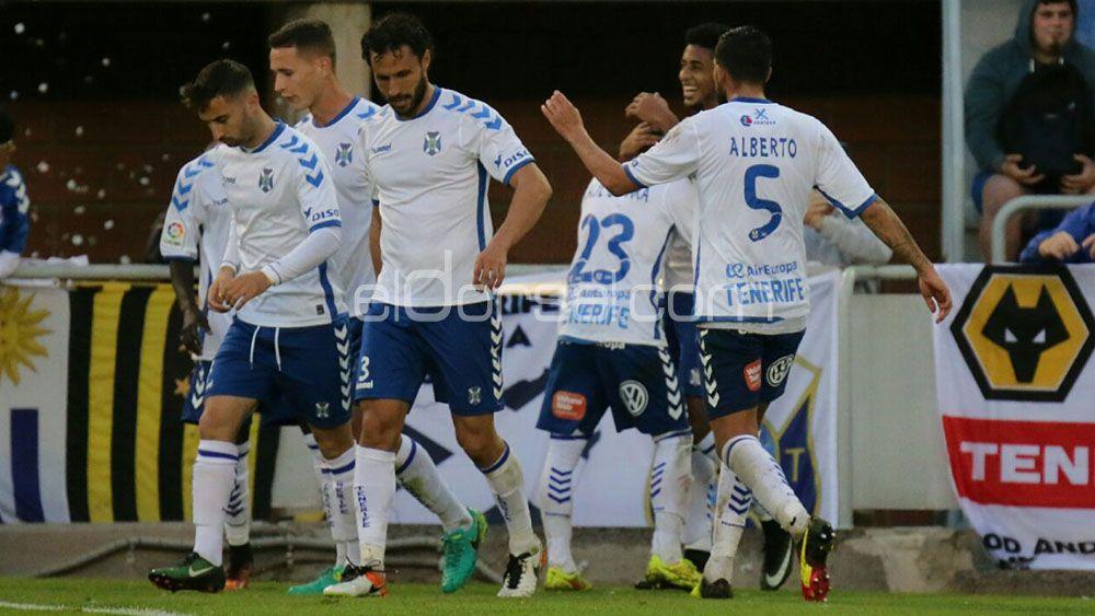 Los goles de Lozano y Omar en un gran triunfo del CD Tenerife