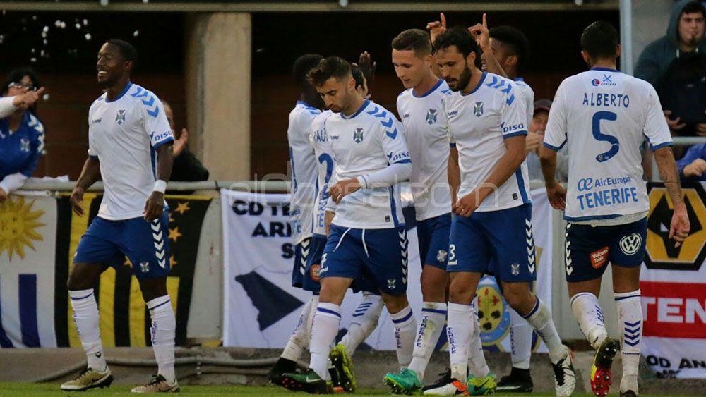La afición del CD Tenerife confía en Lozano y Amath para el ataque