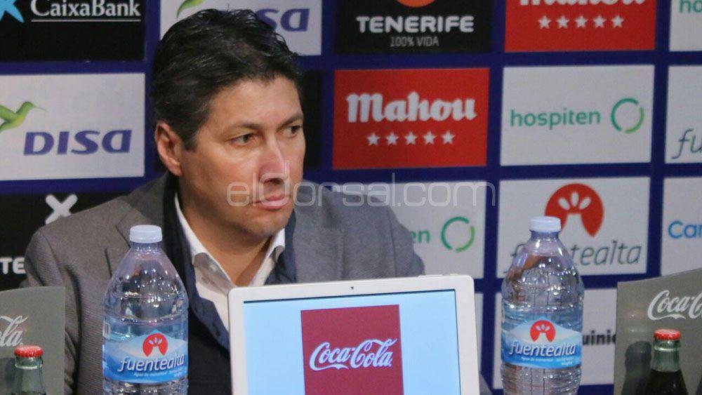 """Serrano: """"Queremos que venga Rachid y un mediapunta"""""""