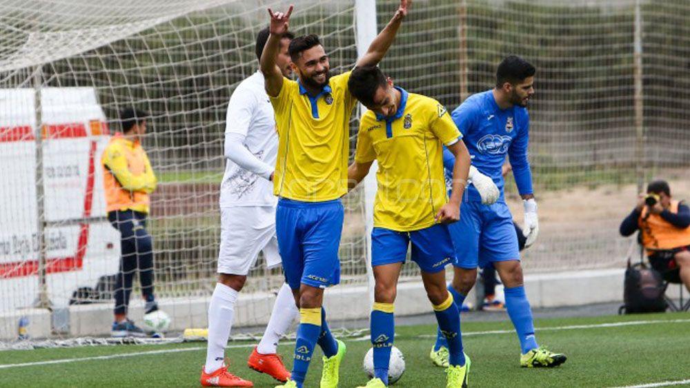 El líder arrolla a la UD Ibarra y el CD Marino se aferra al sueño del playoff