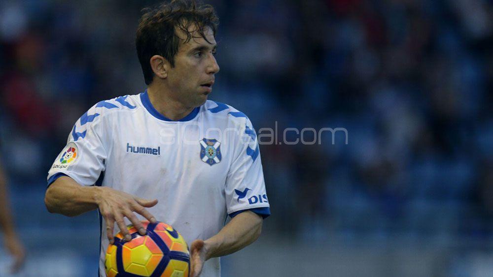 Cámara podría volver a jugar de lateral izquierdo en el CD Tenerife