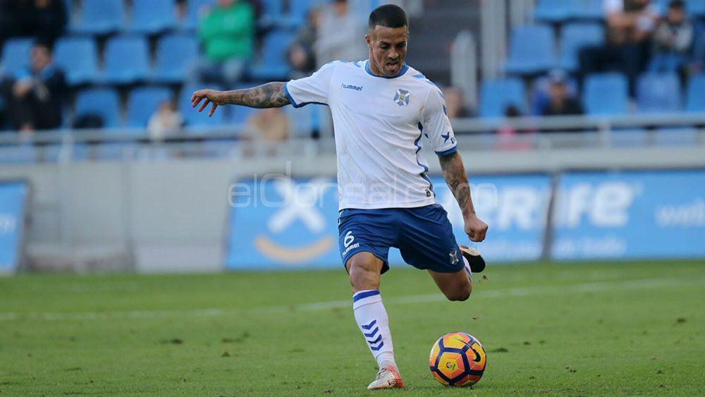 Vitolo, el mejor del CD Tenerife en Valladolid, según la afición