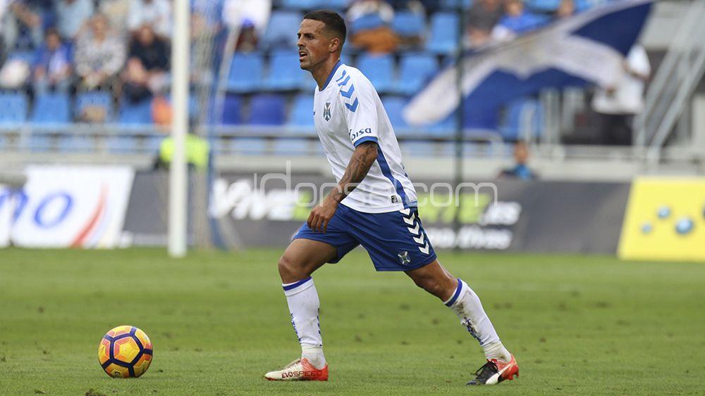 Vitolo, elegido MVP ante el Almería, por la afición del CD Tenerife