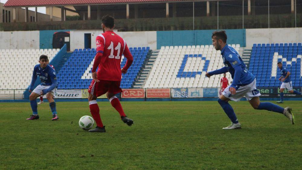 Santi Luque acaricia el playoff con el Melilla
