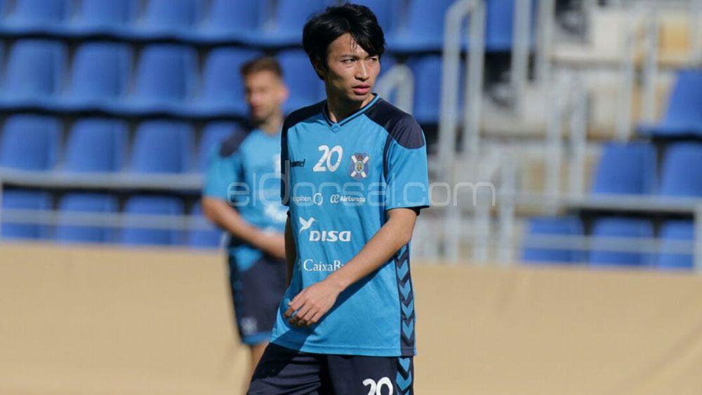 Gaku Shibasaki viaja a Barcelona con permiso del CD Tenerife