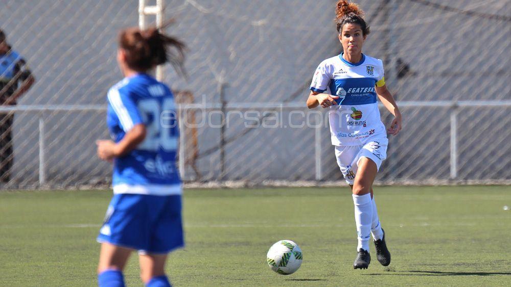 La capitana de la UDG Tenerife, Cindy García, también renueva