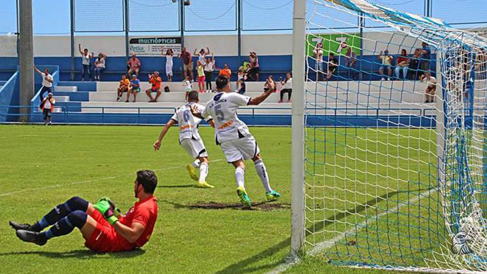 El Tenisca se aúpa a la zona playoff y el Tenerife B se mete en problemas