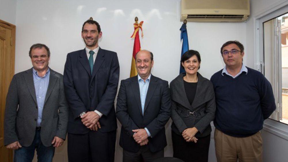 El Gobierno de Canarias y la Federación Española de Baloncesto tratan distintos proyectos para las Islas