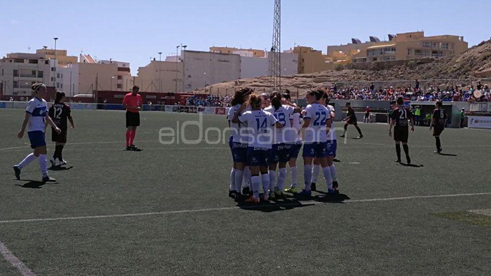 Garra, coraje y fútbol de la UDG Tenerife para remontar ante el Fundación Albacete