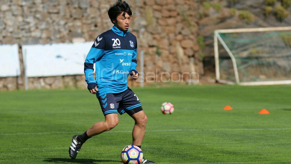 Gaku Shibasaki, opción para la mediapunta en el Cádiz – CD Tenerife