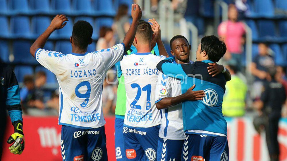 El sufrido triunfo ante el Oviedo coloca al CD Tenerife a 'solo' seis puntos del ascenso directo